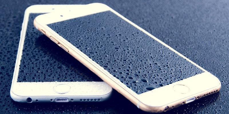 Sabeu com netejar la pantalla del mòbil o tauleta?