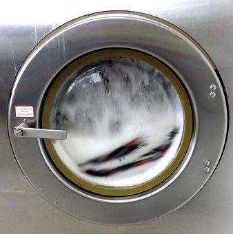 Unos buenos consejos para lavar la ropa del trabajo!
