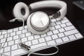 limpieza de teclados, ratones, teléfonos y mandos a distancia