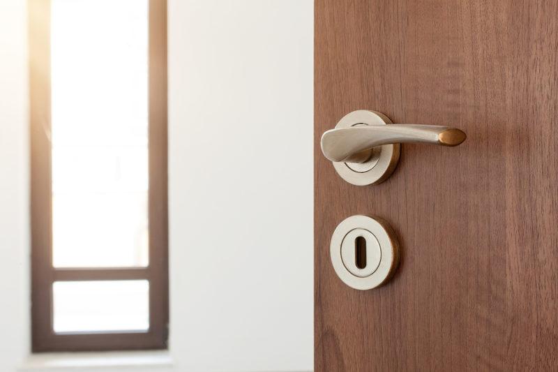 Limpieza de puertas: todos los tipos de ellas limpieza de puertas